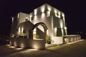 Dioni Lux Inn