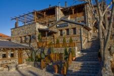 Petrogonima Suites Agios Athanasios