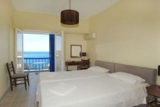 Twin Rooms Sea View
